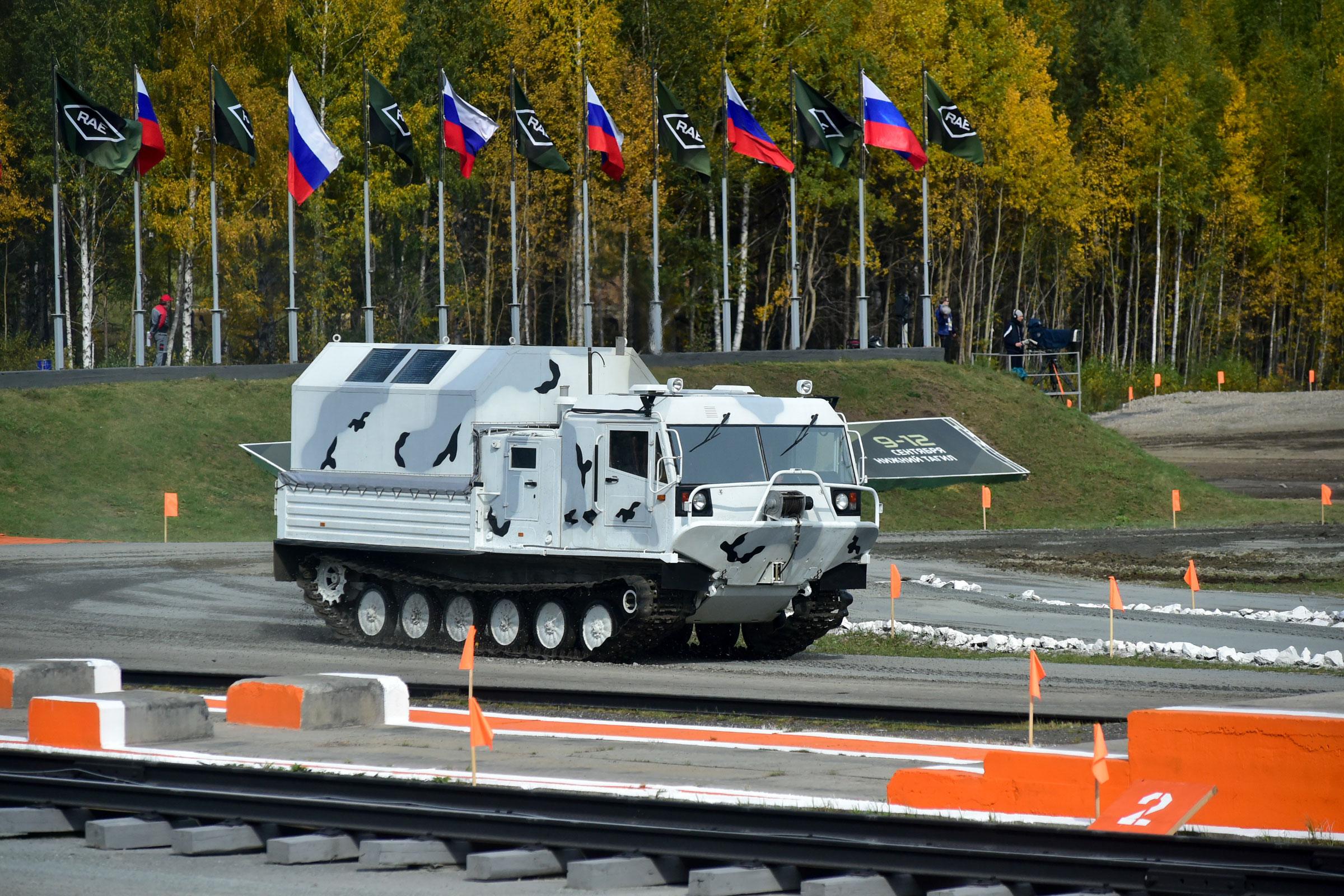 Интересный фоторепортаж с iii-го международного салона вооружений и военной техники мвсв-2008